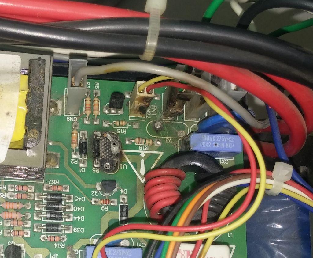 Nobreak_APC_PS_2200.jpg.bcad93925c7149b86f537c4cb1ba98c7.jpg
