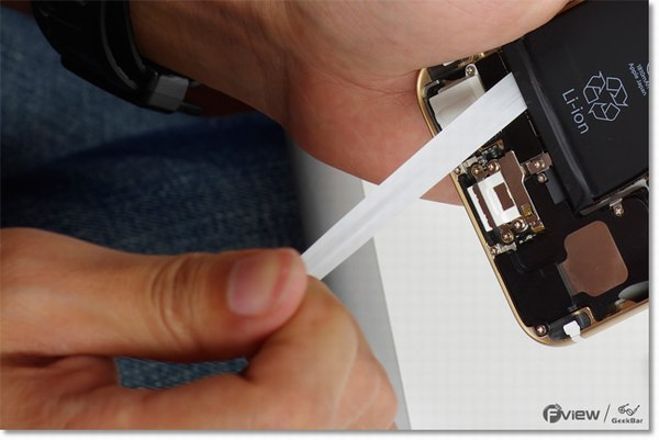 Apple-iPhone-6-Disassembly-10-600x400.jpg.0e4ec808e974a0028181e1317d26fda4.jpg