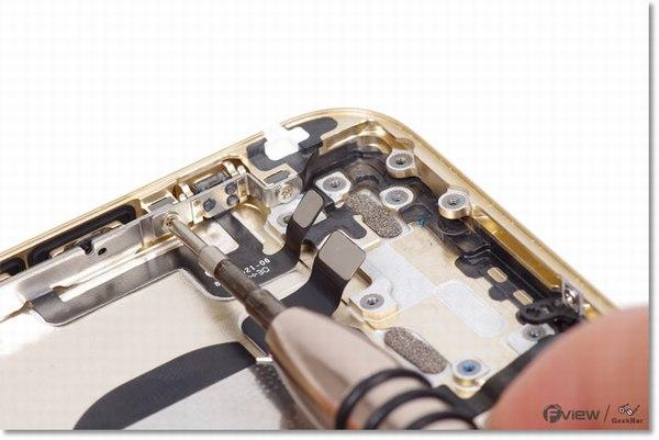 Apple-iPhone-6-Disassembly-25-600x400.jpg.08fde7fb82a11154c466602b385bf44c.jpg