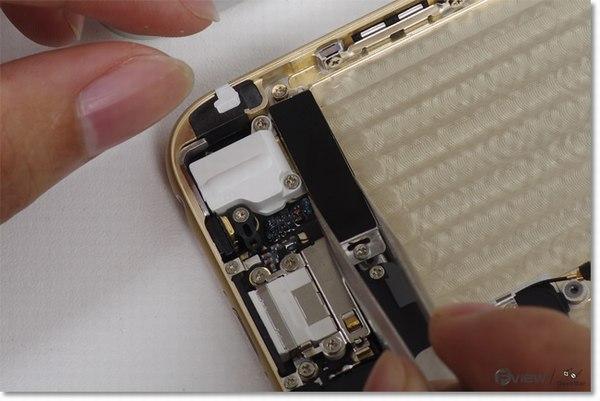 Apple-iPhone-6-Disassembly-31-600x400.jpg.d1ea03eeb6fc13b6dfe69ceef110365e.jpg