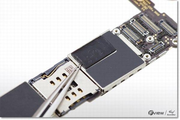 Apple-iPhone-6-Disassembly-36-600x400.jpg.b4a9aa990923d21fc15d154390ed079d.jpg