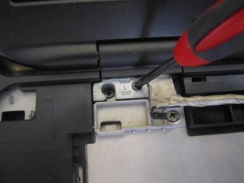 Dell-XPS-15-L502X-Disassembly-15.jpg.c3bc1b3fae8a437871ac1cdb501fbd90.jpg