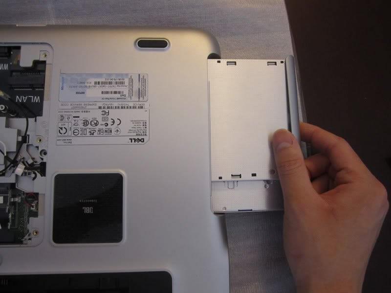 Dell-XPS-15-L502X-Disassembly-3.jpg.d96f805d8b8836cfceef967fb219696f.jpg