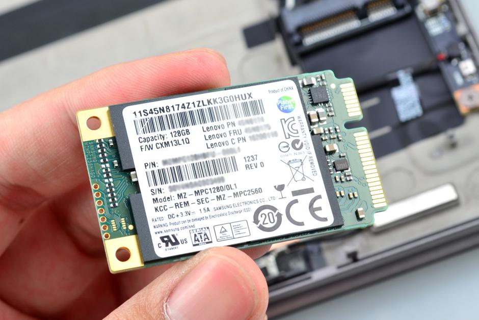 Lenovo-IdeaPad-Yoga-13-Disassembly-18.jpg.8a8976713d6c3cbc5f117b9823bb897d.jpg