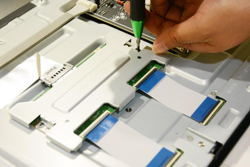 Xiaomi-Mi-TV3-Teardown-11.jpg.f22e2766c6af6d6cfb5f689248e503db.jpg