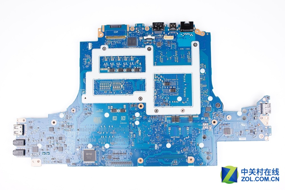 Alienware-13-R3-Disassembly-25.jpg