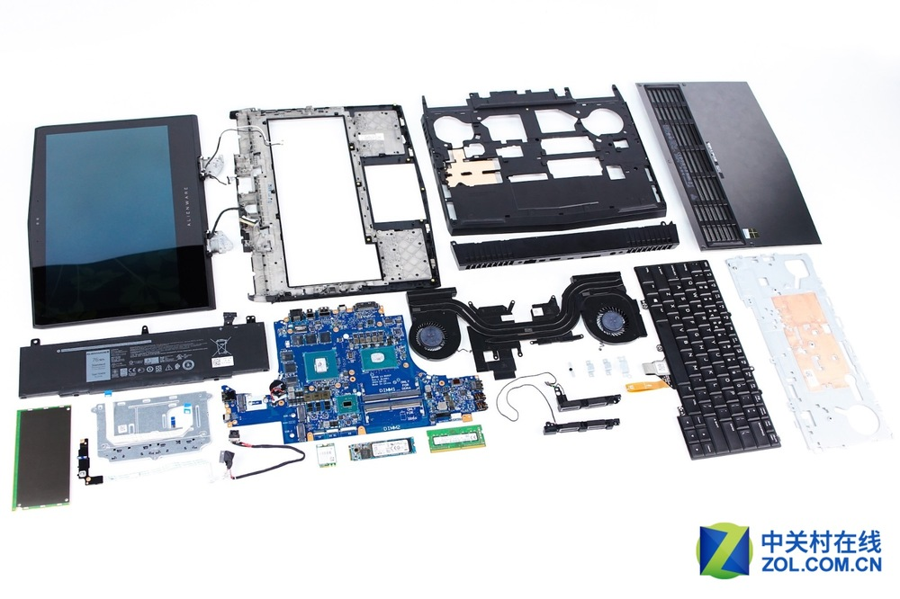 Alienware-13-R3-Disassembly-38.jpg