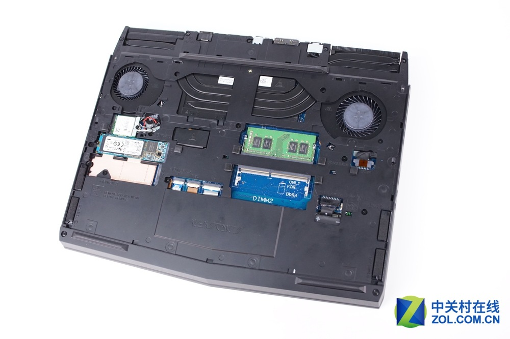 Alienware-13-R3-Disassembly-6.jpg
