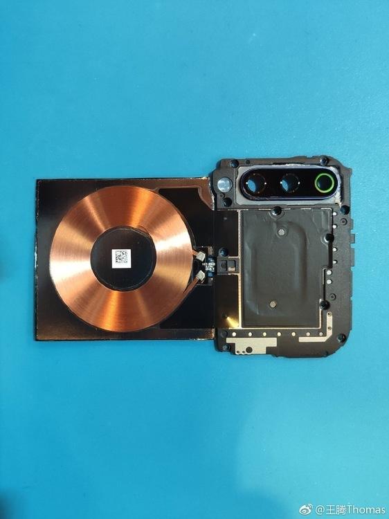 Xiaomi-9-teardown-3.jpg