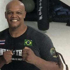 Fernando R Pereira